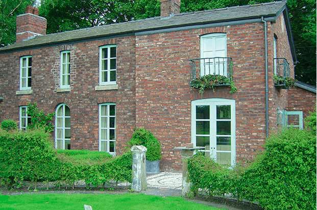 Matching bricks for an extension