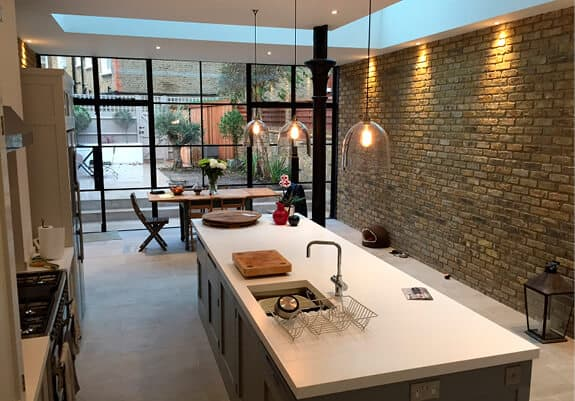 kitchen-extension-brick-wall-feature